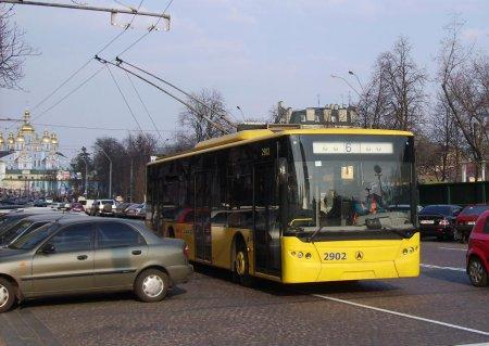У Києві тролейбуси хочуть замінити автобусами