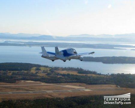 Автомобіль-літак у США отримав дозвіл на польоти і їзду