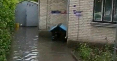 Зливи затопили Рівненщину, від наслідків загинув школяр