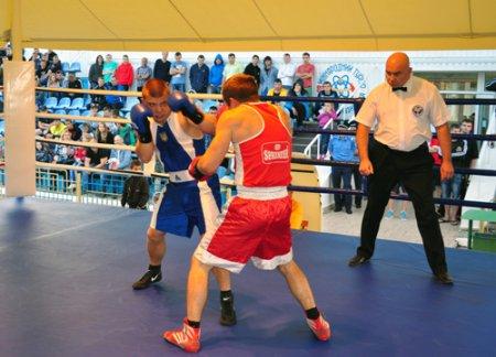 Міжнародний турнір з боксу стартував у Кузнецовську