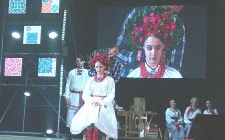 День традиційного костюма зібрав автентичний одяг, взуття та прикраси України 19-20 століття з приватних колекцій