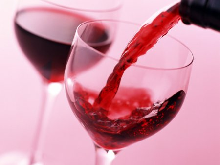 Червоне вино збуджує жінок