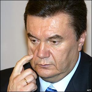 У березні-квітні російська мова стане офіційної в Україні, - запевнив Янукович