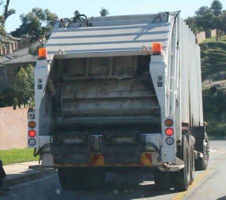 У Рівному подорожчає вивіз сміття