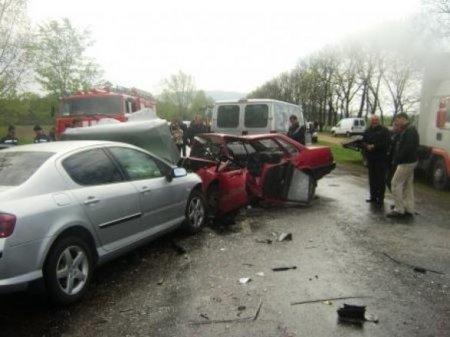 Помічник прокурора зіткнувся із зустрічним авто, є жертви (фото)
