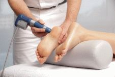 Лечение пяточной шпоры методом ударно-волновой терапии