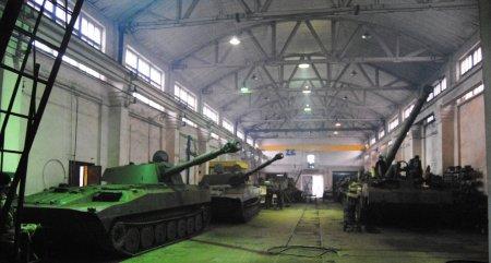 На Рівненщині військові ремонтники продовжують відновлювати озброєння для Збройних Сил України