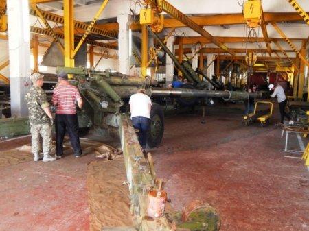 Рівненські ремонтники відновлюють озброєння для військових на сході та на заході України