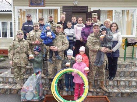 Сарненські військові привітали дітей Чудельської школи-інтернату з Великоднем