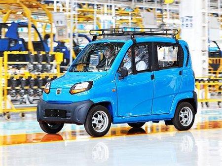 В Україну для сертифікації вже прибули найдешевші в світі автомобілі індійської марки Baja