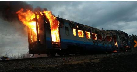 У Рівненській області на ходу загорівся потяг