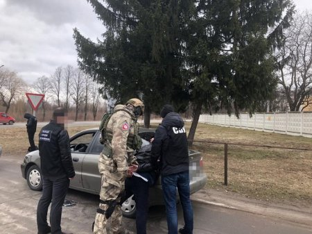 На Житомирщині СБУ викрила організоване угруповання вимагачів
