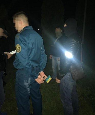 На Рівненщині СБУ викрила на хабарах посадовця митного посту