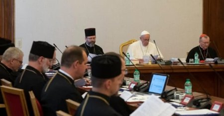 Папа Франциск: На Донбасі ведеться гібридна війна, позначена печаттю брехні