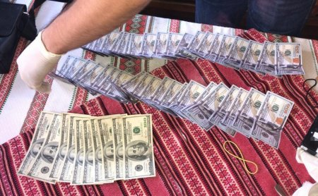 На Волині СБУ викрила сільського голову на хабарі у п'ятнадцять тисяч доларів США