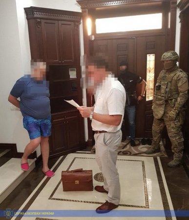 Високопосадовці Укртрансбезпеки Львівщини організували корупційну схему