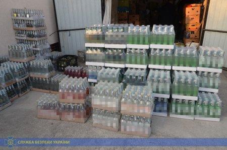 Незаконне виробництво та збут алкосурогату у двох західних областях блокувала СБУ