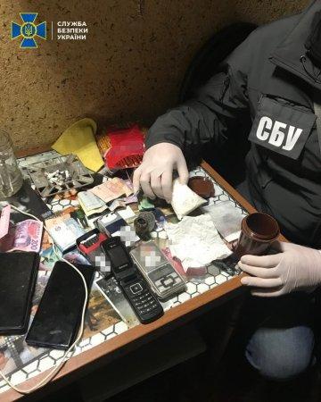 На Буковині СБУ блокувала діяльність мобільної нарколабораторії